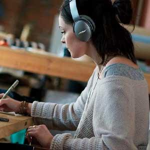 auriculares con cancelación de ruido ambiente